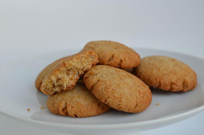 Biscuiți cu cocos și lâmâie