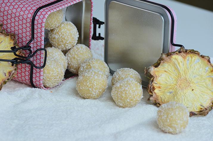 Bomboane cu ananas