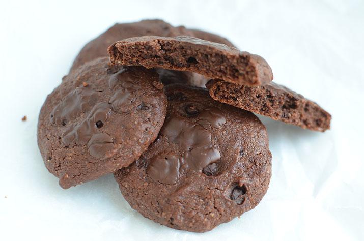 Cookies cu tahini și ciocolată