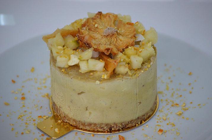 Mini-tort cu vanilie, mango și ananas