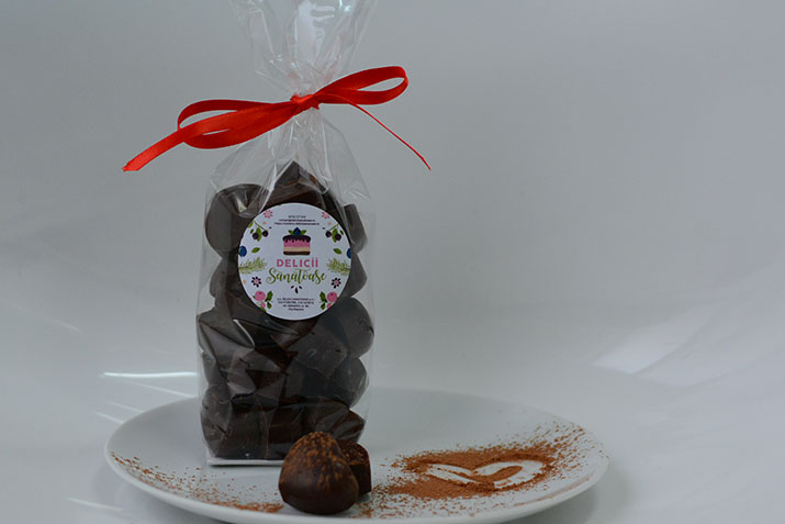 Trufe cu unt de arahide și ciocolată (punguliță)